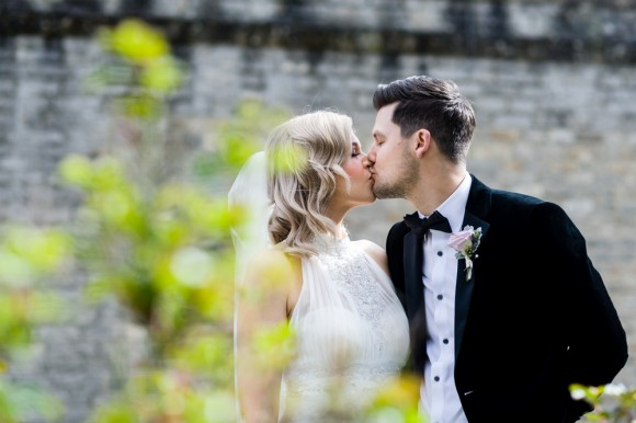 suit and tie. roses & stocks for an elegant wedding at hassop hall – laura & dominic