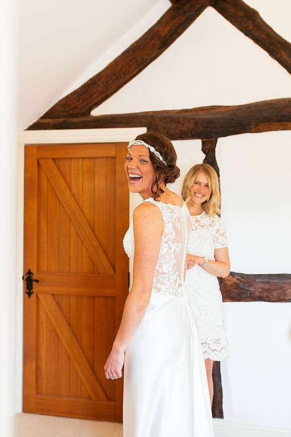 A Tuscan Wedding at Owen House Barn (c) Suzy Wimbourne Photography (15)