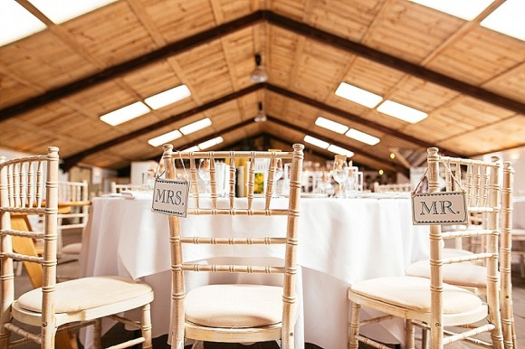 A Tuscan Wedding at Owen House Barn (c) Suzy Wimbourne Photography (22)
