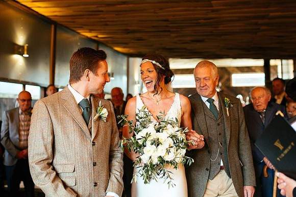 A Tuscan Wedding at Owen House Barn (c) Suzy Wimbourne Photography (36)