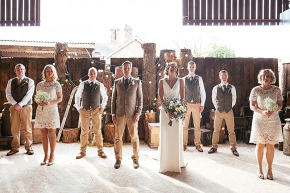 A Tuscan Wedding at Owen House Barn (c) Suzy Wimbourne Photography (50)