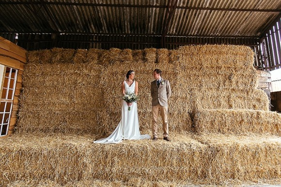 A Tuscan Wedding at Owen House Barn (c) Suzy Wimbourne Photography (53)
