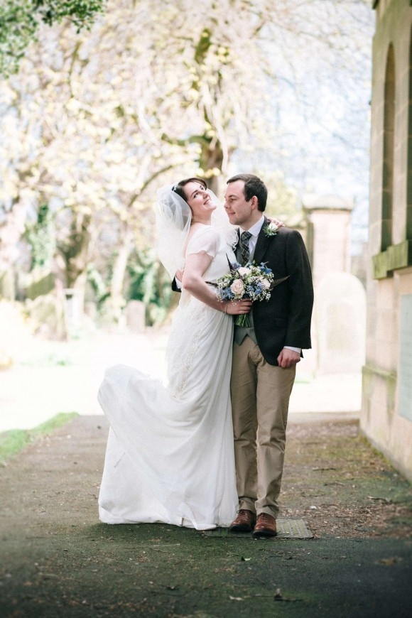 pretty to a tee. a pale palette for a rustic wedding in the north east – emma & chris