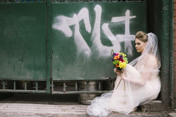 city chic. a retro styled bridal shoot in manchester