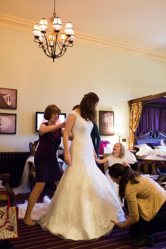 an-elegant-wedding-at-peckforton-castle-c-jonny-draper-photography-15