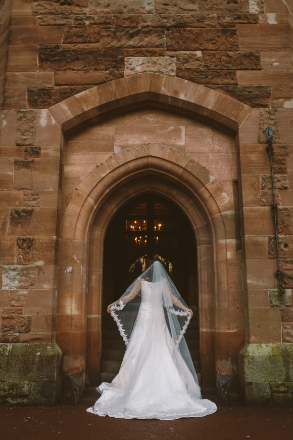 an-elegant-wedding-at-peckforton-castle-c-jonny-draper-photography-48