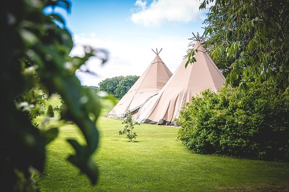 a-tipi-wedding-at-capheaton-hall-c-jpr-shah-photography-2