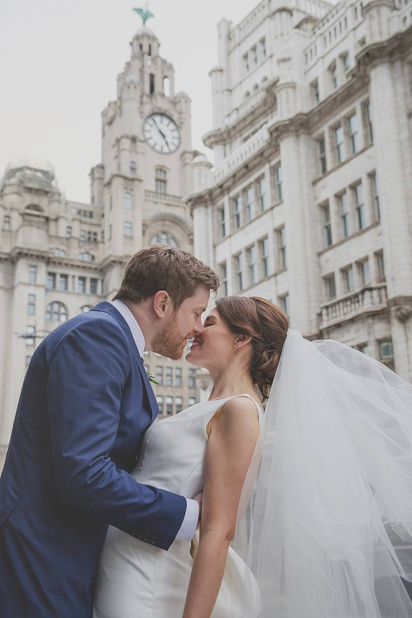 A Chic City Wedding in Liverpool (c) Starwinkle Photography (37)