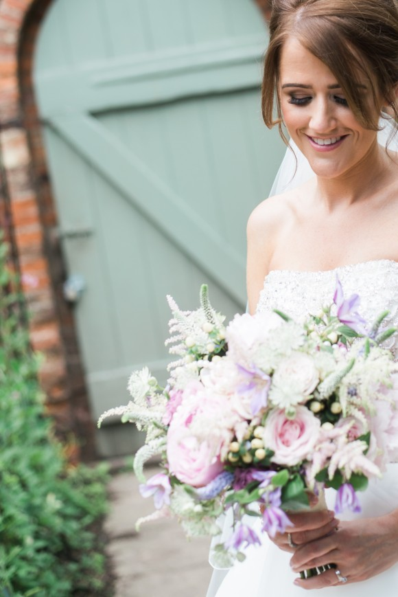 A Shabby Chic Wedding at Saltmarshe Hall (c) Claire Louise Photography (76)