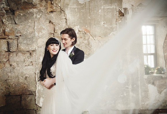 rustic charm meets 1920s chic: a summer wedding at skipton castle – rachel & harry