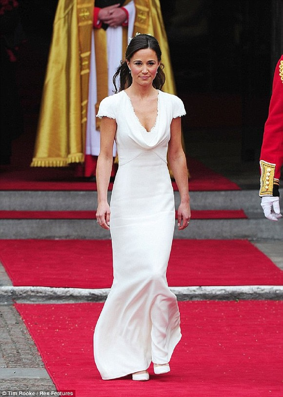 her royal hotness. expert predictions on pippa middleton's wedding dress