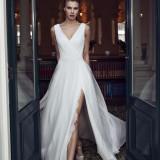Modeca Aurora gown