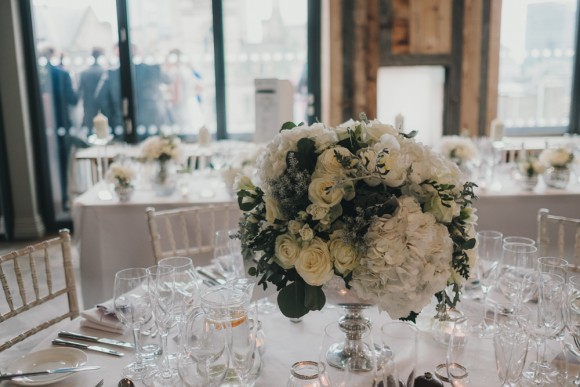 A Chic City Wedding at King Street Townhouse (c) Kate McCarty Photography (20)