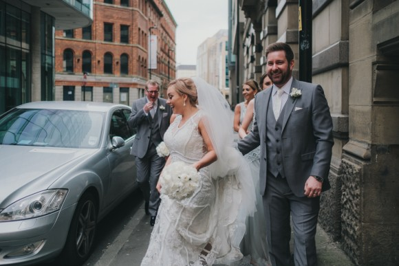 A Chic City Wedding at King Street Townhouse (c) Kate McCarty Photography (22)
