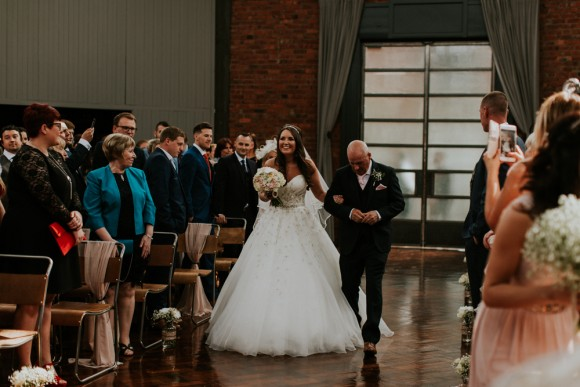 A Pretty Blush Wedding at Wylam Brewery (c) Bethany Whittaker (24)