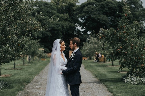 concrete love. martina liana for a summer wedding at eslington villa – kate & liam