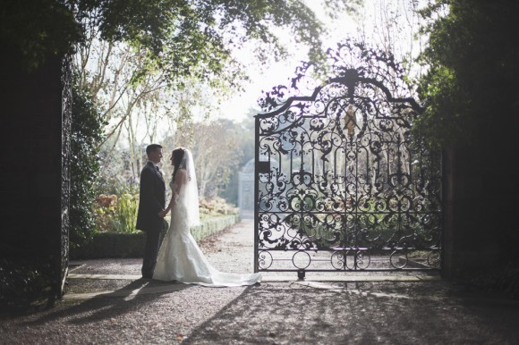a-stunning-wedding-at-Capesthorne-Hall-c-Melissa-Beattie-45-580x386