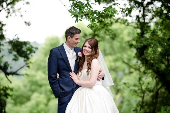 pink petals. a pretty countryside wedding at hyde bank farm – anneka & gareth