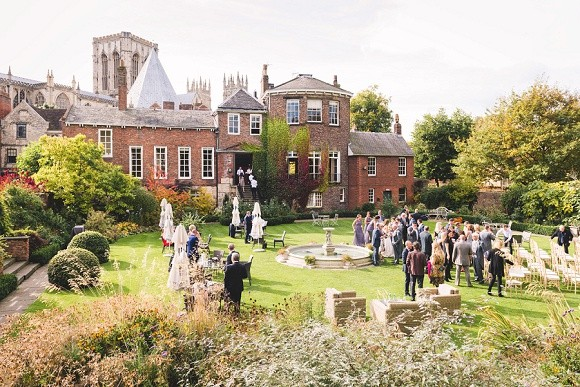 A Pretty City Wedding in York (c) Richard Perry Photography (20)