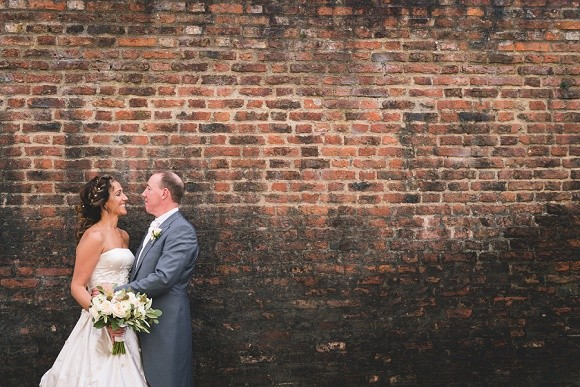 urban class. ian stuart for a stylish wedding at grays court, york – lisa & steve