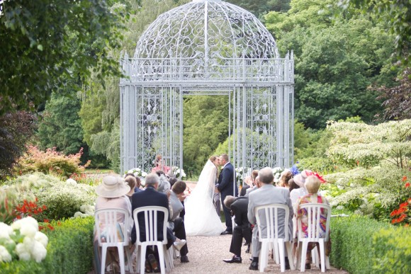 A Garden Wedding at Capesthorne Hall (c) Slice Of Pie (24)