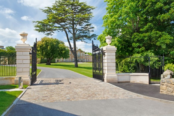 Bowcliffe_Entrance_Gates