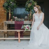 Country Luxe at Castle Farm Barn (c) Laura Calderwood Photography (29)