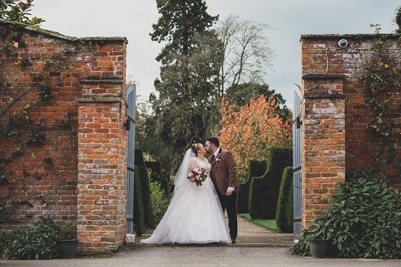 A Rustic Wedding at Combermere Abbey (c) Jess Yarwood (45)