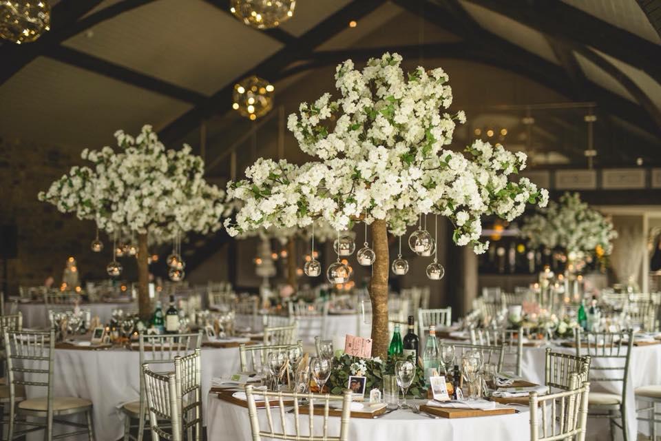 a stylish wedding show @ yorkshire wedding barn