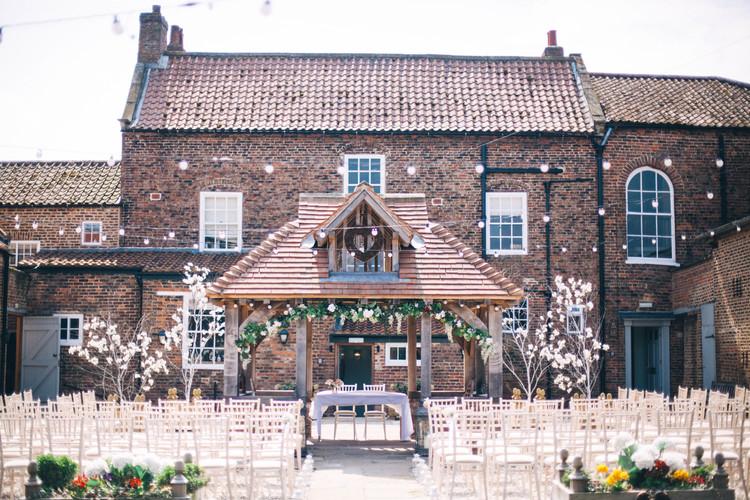 a pop up festival wedding show @ Hornington Manor