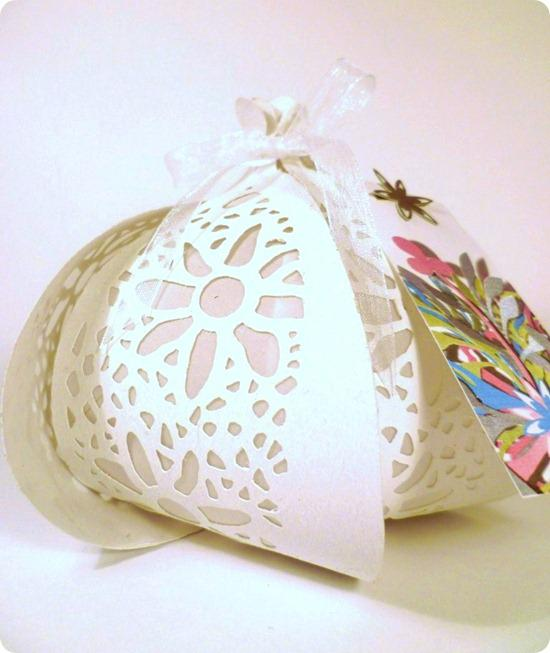 1._floral_lantern_this_design_was_part_of_my_degree_work_and_the_starting_point_of_Papaver_Designs[1]