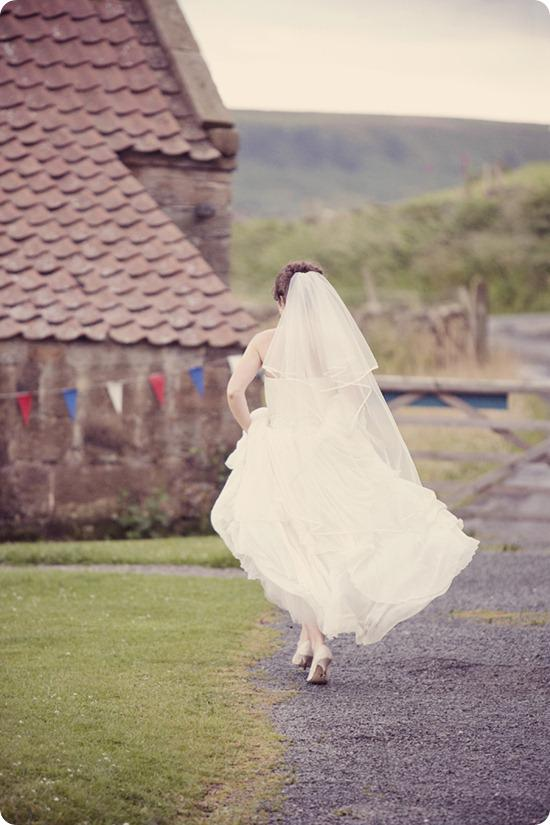 Brides Up North Wedding Blog: Lissa Alexandra Photography