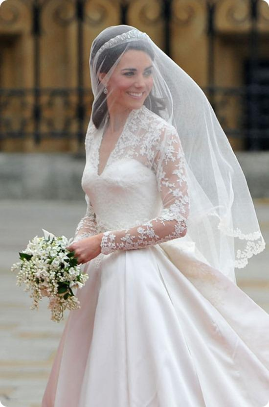 Brides Up North Wedding Blog: Kate Middleton Wedding Dress